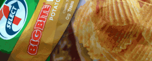 Review: 7 Select Big Bite Hot Dog Potato Chips & Little Kids Playing Soccer and Other Sports