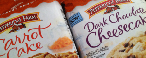 Review (x2!): New Pepperidge Farm Dessert Shop Carrot Cake Cookies & Dark Chocolate Cheesecake Cookies & ATARI BANKRUPT??? NOOOOOOOOOOOOOO
