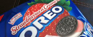 Review: Limited Edition Strawberries n' Creme Oreos & One Thought Regarding Nik Wallenda's Skywire Act...