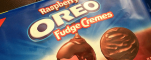 Review: New Raspberry Oreo Fudge Cremes (A So Good Exclusive) & How to Fly First Class All the Time!