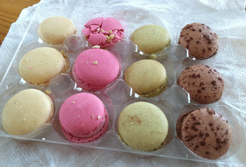 LOOKA Patisserie Macarons