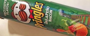 MICRO-REVIEW: Jalapeno Bacon Pringles (Walgreens Exclusive)