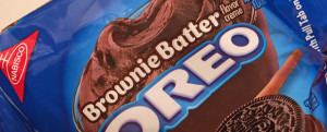 Review: Limited Edition Brownie Batter Oreos, IMPROMPTU FOOD FACEOFF w/ Actual Brownies, & Hiatus Time...Sort OF