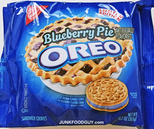 Limited Edition Blueberry Pie Oreo: The Money Shot